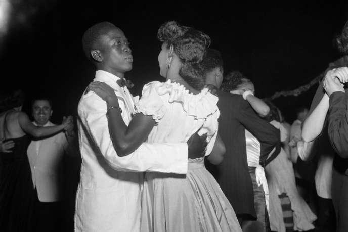 Bal d'étudiants àBamako en 1951.