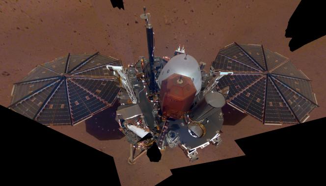 Premier selfie pris le 6 décembre par l'atterrisseur martien InSight.