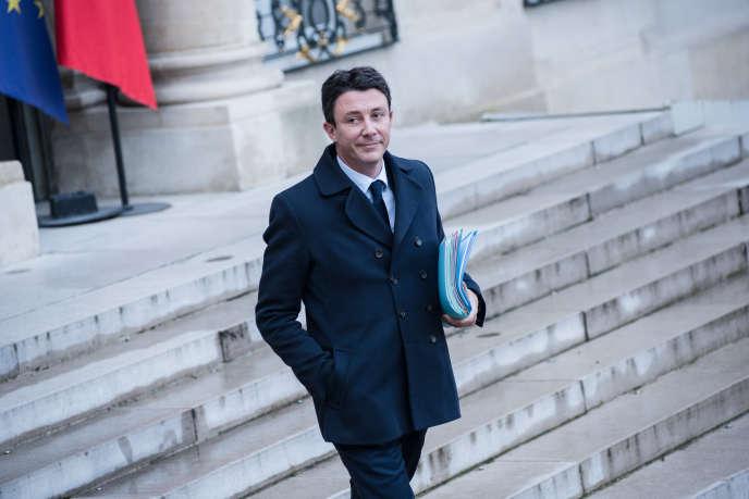 Le porte-parole du gouvernement, Benjamin Griveaux, après le conseil des ministresoù ont été présentéesles «mesures d'urgence», le 19 décembre.