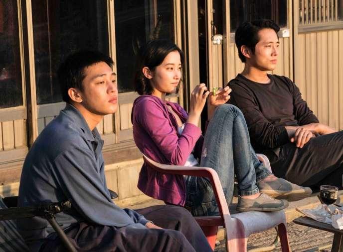 Jeon Jong-seo, Steven Yeun et Yoo Ah-in dans « Burning», de Lee Chang-dong.
