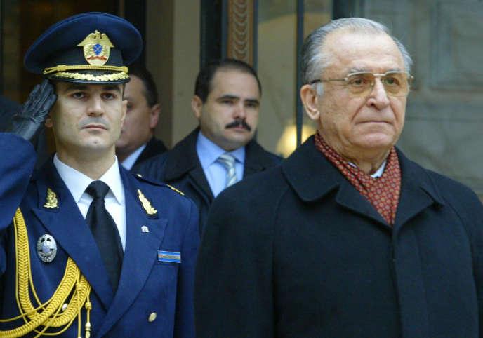 Ion Iliescu, alors président, le 21 décembre 2004 à Bucarest, en Roumanie.