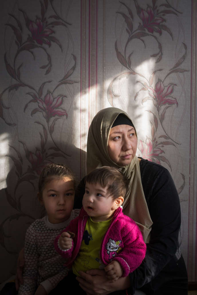 Basitova Guzel et ses enfants, à Almaty, le 4 décembre 2018.