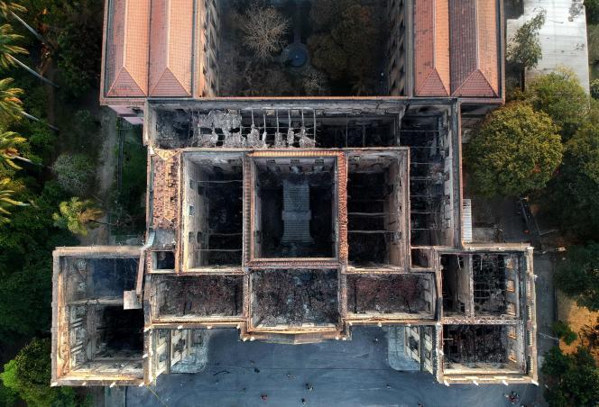 Vue aérienne du Musée national de Rio de Janeiro, ravagé par un incendie début septembre.