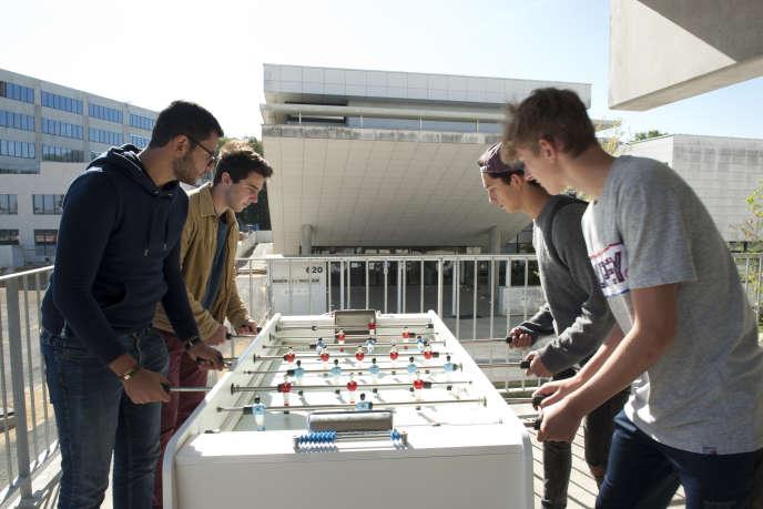 Le «Lieu de vie» du campus de Paris-Saclay, vu de l'intérieur, au début du mois d'octobre.