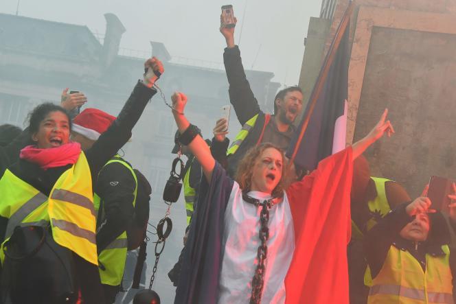 Manifestation de « gilets jaunes» à Bordeaux, le 22 décembre.