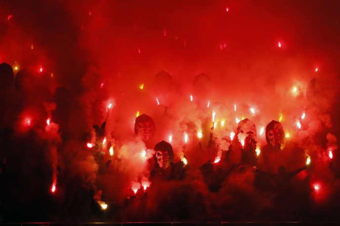 Des supporteurs du PSG lors d'un match contre Nantes au Parc des Princes, en décembre 2018.