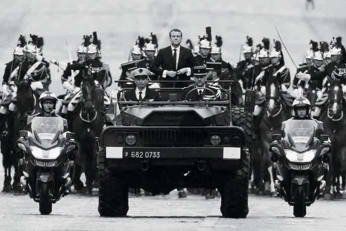 Le 14 mai 2017,Emmanuel Macron dans son command car.