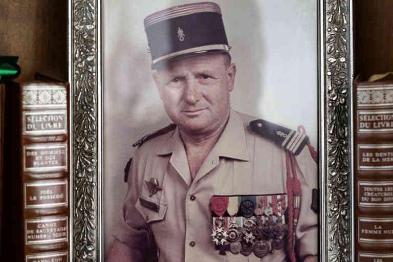 Portrait de Pierre Neuville, Lieutenant-Colonel de la Légion étrangère désormais à la retraite, le 13 septembre 2018 chez lui, à Lumio.