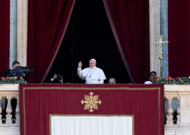 Le pape, lors de sa bénédiction «urbi et orbi», au Vatican, le 25 décembre.