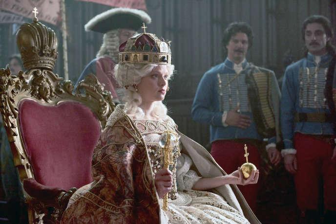 Marie-Luise Stockinger dans le rôle de Marie-Thérèse d'Autriche.