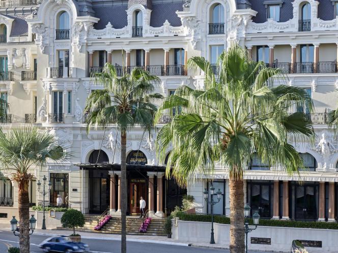 Le plus ancien palace de Monte-Carlo et sa façade Belle Epoque.