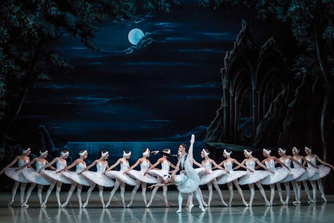 «Le Lac des cygnes», par le Yacobson Ballet, à l'Opéra de Massy.