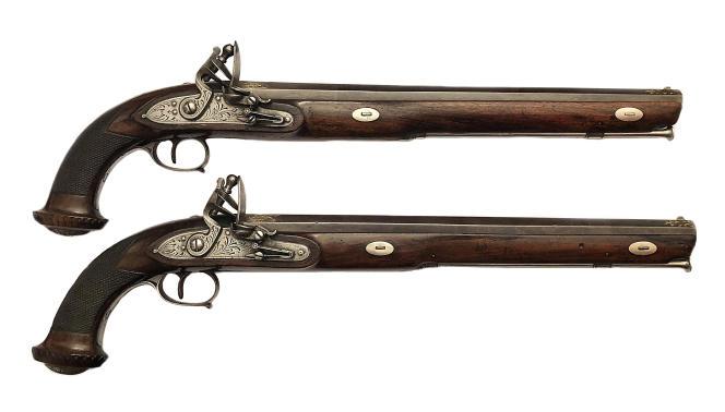 Paire de pistolets Cizeron datant du XVIIIe-XIXe siècle, estimée entre 4 500 et 5 000 euros, en vente à Lyon, le 22 janvier.