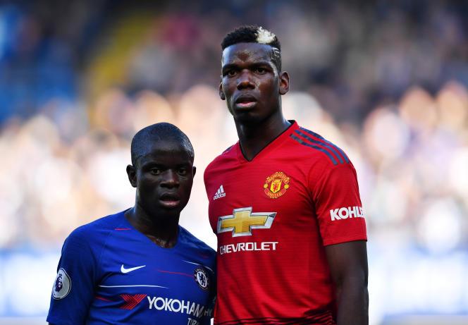 N'GoloKante(Chelsea)et PaulPogba(Manchester United)lors du match depremièreligue anglaise entre leurs deux clubs, àStanfordbridge(Londres), le 20 octobre.