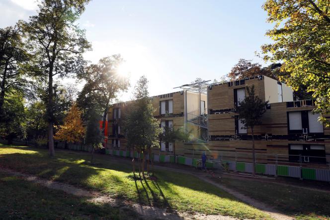 Le centre d'hébergement pour sans-abri à Paris dans le 16earrondissement, le17 octobre2016.