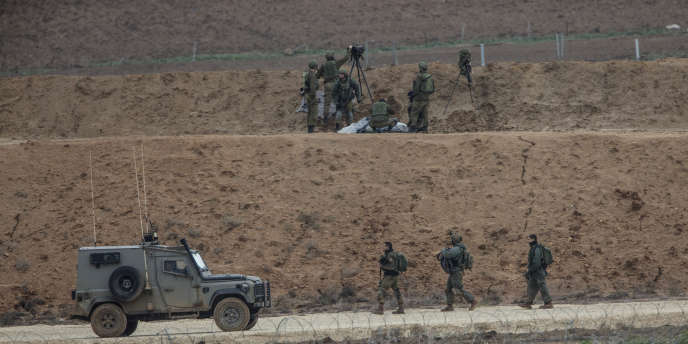 Des soldats israéliens à la lisière de la bande de Gaza et d'Israël, vendredi28 décembre 2018.