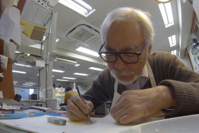 Hayao Miyazaki dans le documentaire deKaku Arakawa,«Never-Ending Man : Hayao Miyazaki».