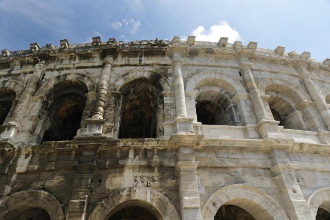 Amphithéâtre romain le mieux conservé au monde, les arènes de Nîmes, ici en mai 2018, vont être restaurées jusqu'en 2034.