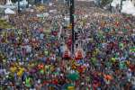 Coureurs se préparant à s'élancer pour le marathon de Sao Paulo (Brésil), le 31 décembre 2018.