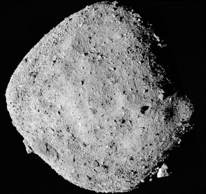 L'astéroïde Bennu, autour de laquelle stationne lasonde Osiris-Rex de la NASA depuis le 3 décembre 2018.
