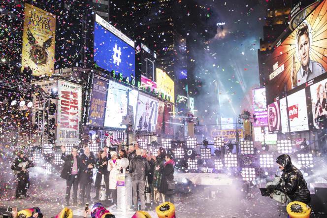 Célébration du Nouvel-An 2019 à Time Square (New York), emblème des hyperlieux.