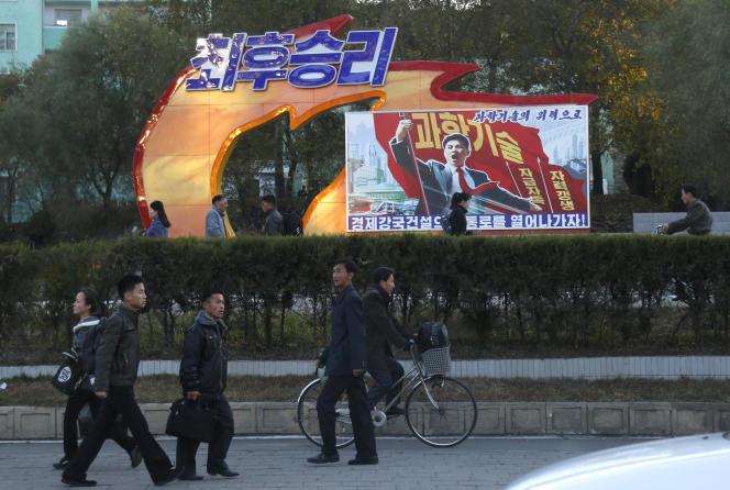 « La victoire finale ! Avec la science et la technologie, nous bâtissons notre pouvoir économique », peut-on lire sur cette affiche, à Pyongyang, le 27 octobre 2018.