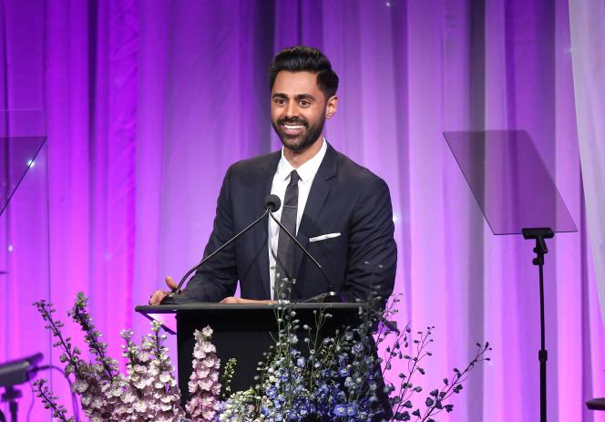 Hasan Minhaj, le présentateur du show américain « Patriot Act »,lors du gala annuel de collecte de fonds du Saban Community Clinicà l'hôtel Beverly Hilton, en Californie, le 12 novembre 2018.