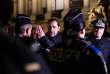 Le ministre de l'intérieur, Christophe Castaner, rend visite aux forces de l'ordre sur les Champs Elysées, le 31 décembre 2018.