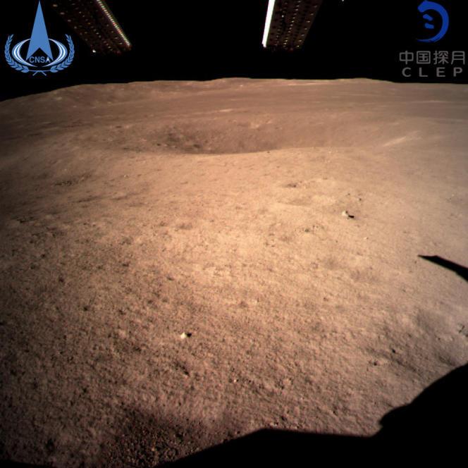 Une des premières images réalisée par la sonde chinoise Chang'e-4 depuis la face cachée de la Lune, le 3 janvier.