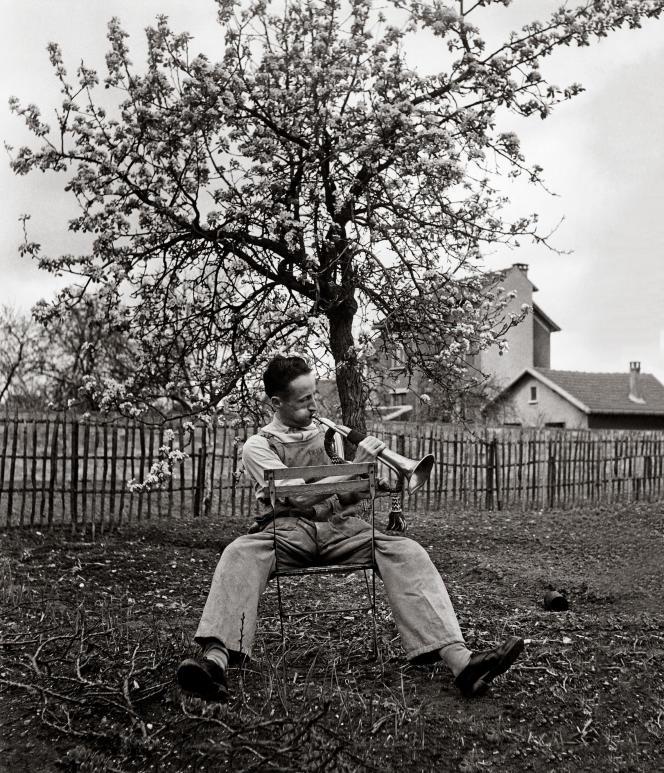 « Le Clairon du dimanche, Antony, 1947 ».