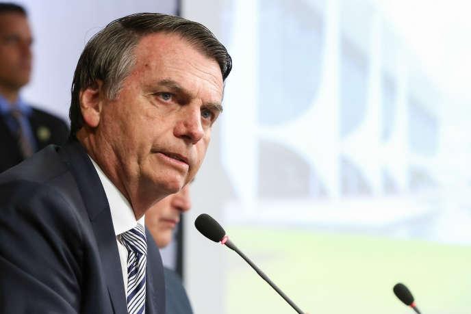 Le président brésilien d'extrême droite Jair Bolsonaro lors d'une réunion ministérielle le 3 janvier à Brasilia, la capitale du pays.