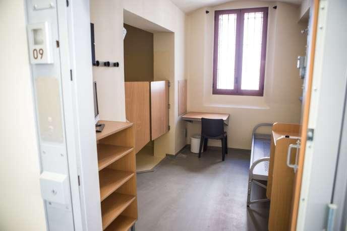Une cellule de la maison d'arrêt de la Santé, le 1er juillet 2018, à Paris.