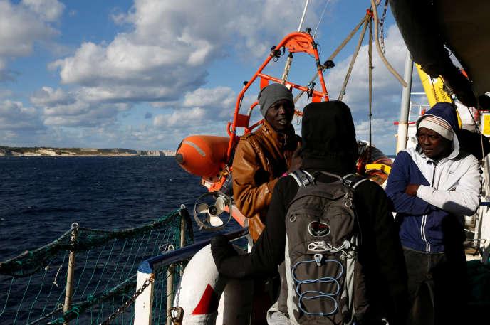 A bord du «Sea-Watch-3», près des côtes maltaises, le 4 janvier 2019. Ce navire, affrété par une ONG allemande, a secouru des migrants au large de la Libye avant Noël.