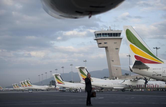 Des avions de la compagnie Ethiopian Airlines sur le tarmac de l'aéroport Bole d'Addis-Abeba, en mars 2014.