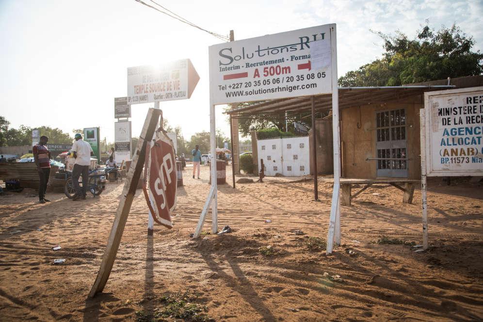 A Niamey, le 3 décembre, sur la route du HCR où les entretiens de l'Ofpra sont menés.