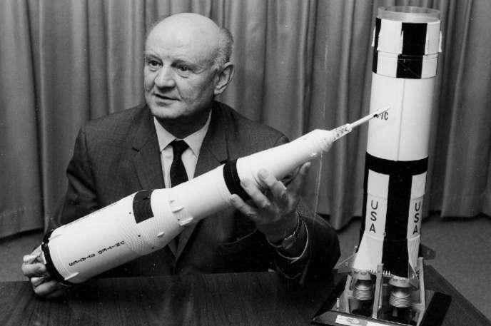 Arthur Rudolph (1906-1996) dans les années 1960, un des pères de Saturn V et ex-ingénieur du IIIe Reich.