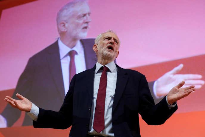 Le dirigeant du Parti travailliste, Jeremy Corbyn, lors de la réunion des partis socialistes européens, à Lisbonne, le 7 décembre 2018.
