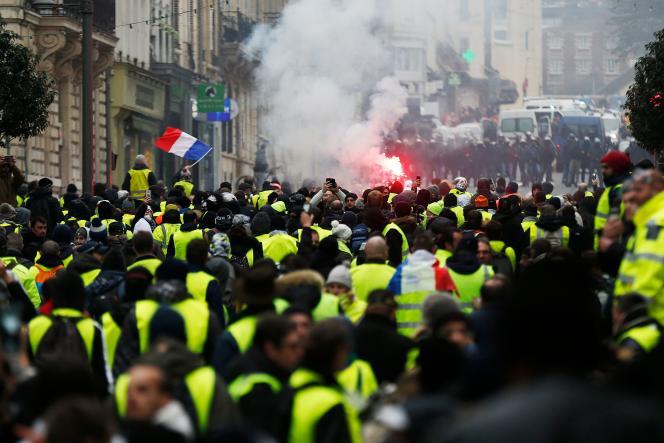 Près de 1 700 personnes manifestaient samedi 5 janvier à Rouen, selon la préfecture de Seine-Maritime.