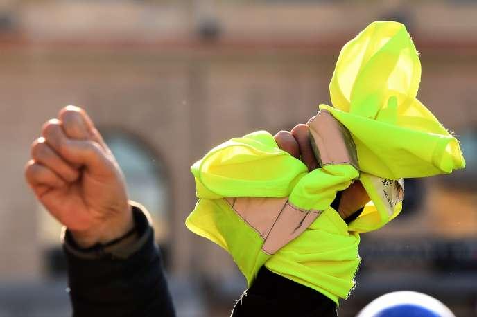 Manifestation des« gilets jaunes» à Marseille, le 5 janvier.
