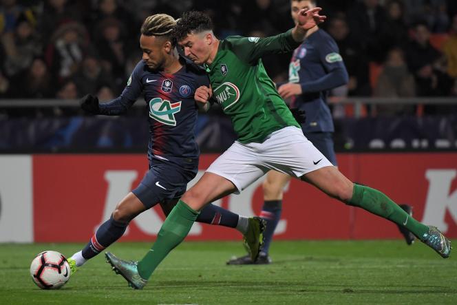 L'écart de niveau était trop grand entre le PSG de Neymar en bleu et les amateurs du GSI Pontivy de Damien Guevel, battus à Lorient dimanche 6 janvier.