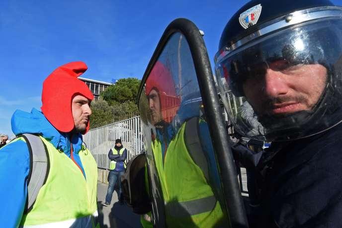 Lors de la manifestation des« gilets jaunes» à Marseille, le 5 janvier.