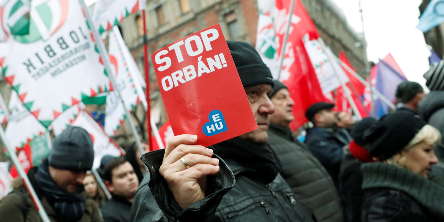 means hungarian anti orbán demonstrators - 800×522