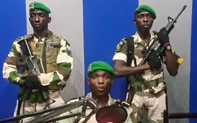 Le lieutenant de la garde républicaineOndoObiangKelly, lors de son discours radiotéléviséappelantles Gabonais à«se lever», le 7 janvier.