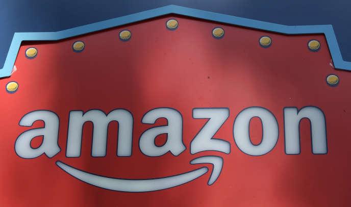 Le logo Amazon sur l'un des entrepôts du géant de la distribution en ligne à Los Angeles (Californie).