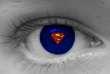 Dans toutes les cultures existe la croyance selon laquelle les yeux émettent une énergie invisible.