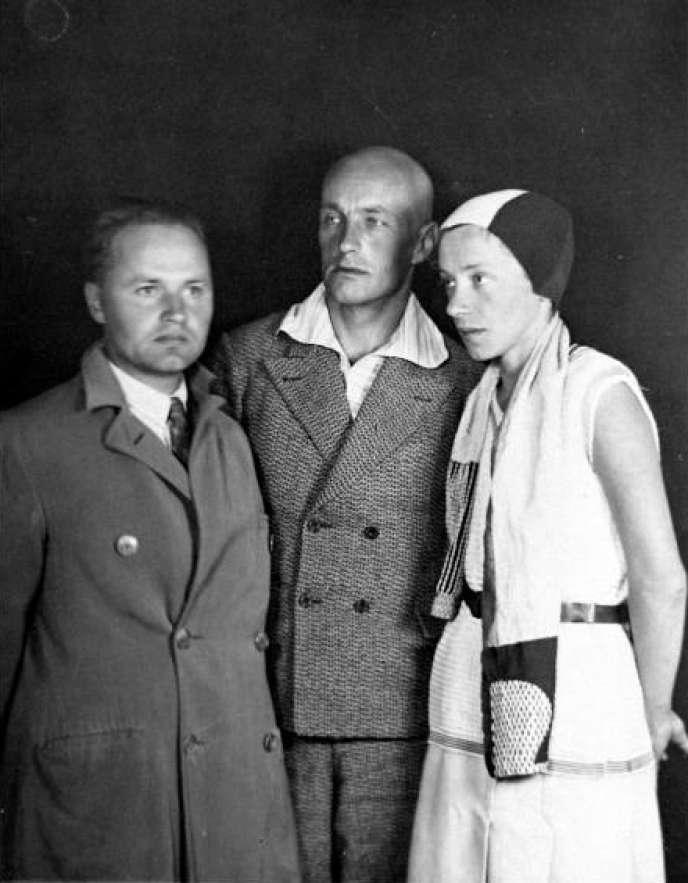 J. Przybos, W. Strzeminski et K. Kobro, vers 1930.