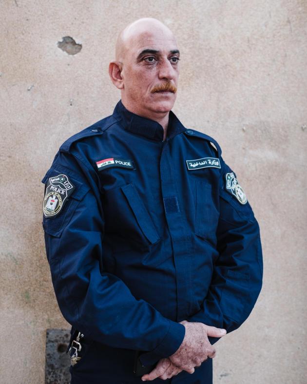 Mohammad Shihab, 46 ans travaille pour la défense civile.ALEXANDRA ROSE HOWLAND POUR LE MONDE
