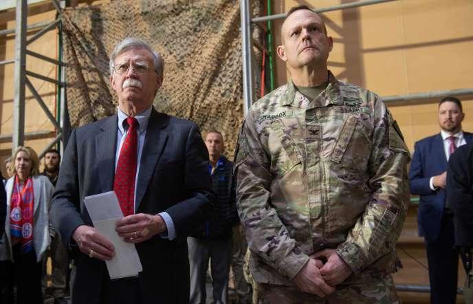 Le conseiller américain à la sécurité nationale, John Bolton, sur la base de l'US Air Force d'Al-Asad (Irak), le 26 décembre 2018.