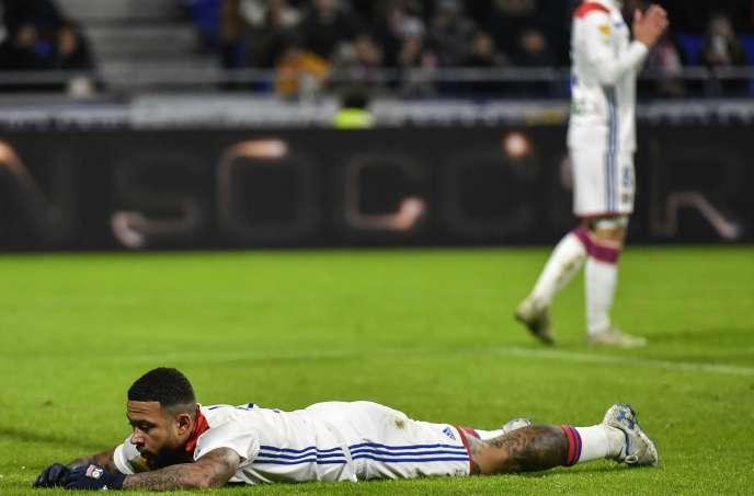 L'attaquant lyonnaisMemphis Depay lors de la rencontre entre l'OL et Strasbourg en quarts de finale de la Coupe de la Ligue, le 8 janvier.