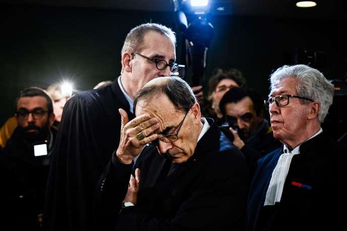 Le cardinal PhilippeBarbarinlepremierjour de sa comparutiondevant le tribunal correctionnel de Lyon, le 7 janvier.